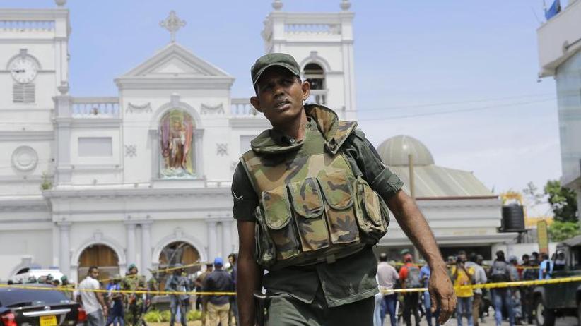 Kirchen und Luxushotels: Mindestens 50 Tote bei Explosionen in Sri Lanka