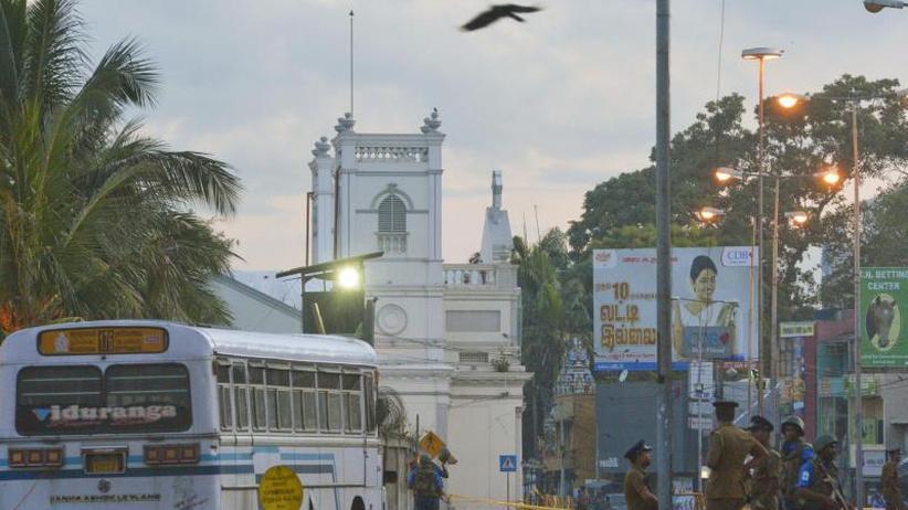 Notstand ausgerufen: Anschläge in Sri Lanka: Mittlerweile mehr als 300 Tote