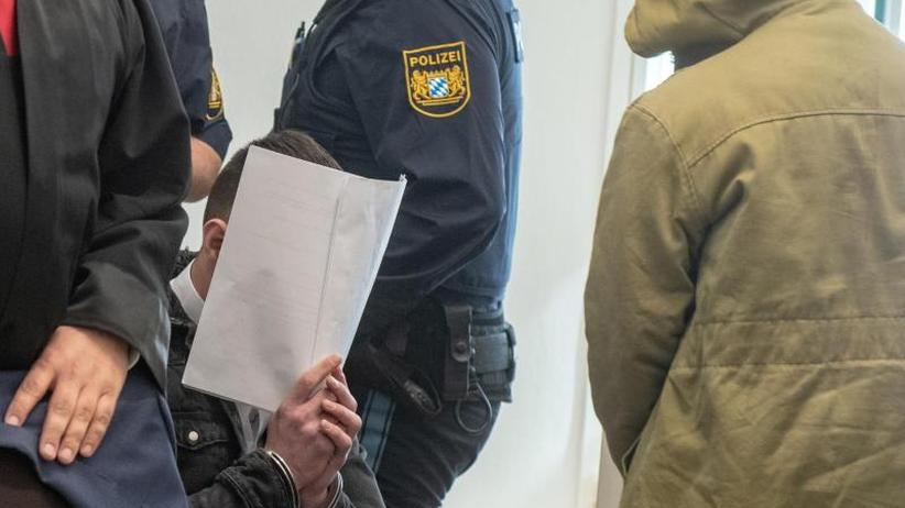 Einigung auf Strafmaß: Flüchtlinge gestehen Prügelattacke in Amberg