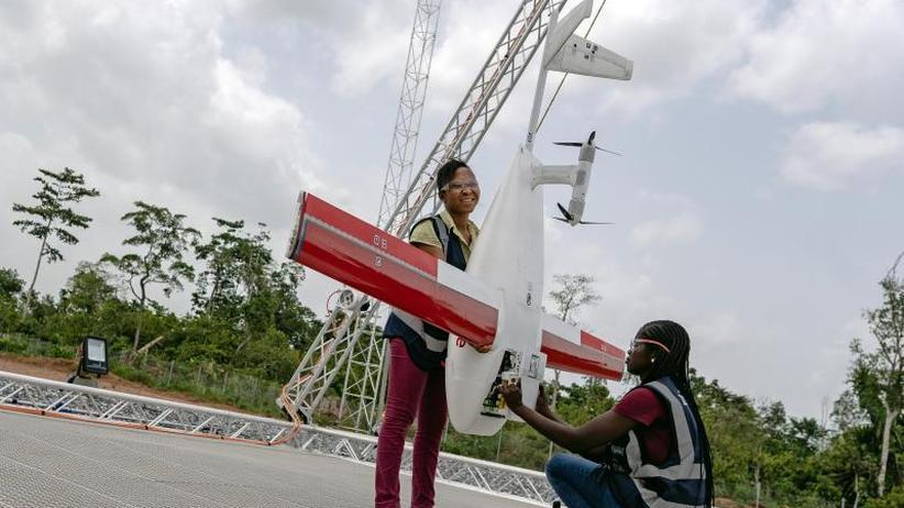 Lebensretter aus der Luft: Ghana setzt Drohnen für die Gesundheit ein