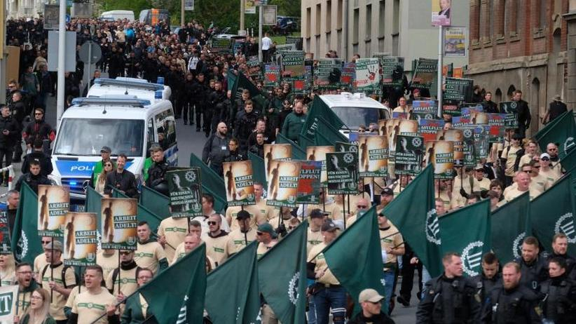 Aufklärung gefordert: Viel Kritik nach Neonazi-Aufmarsch in Plauen