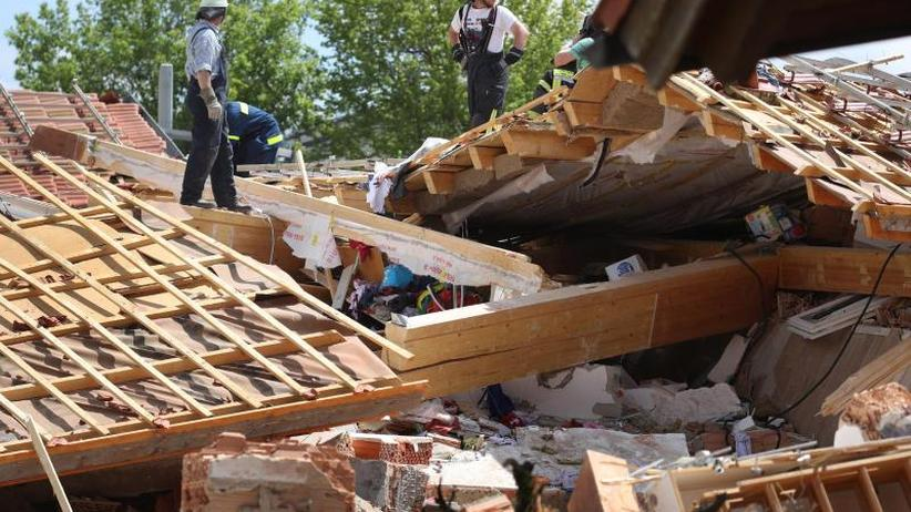 Was Gas die Ursache?: Mehrere Verschüttete nach Hausexplosion in Bayern