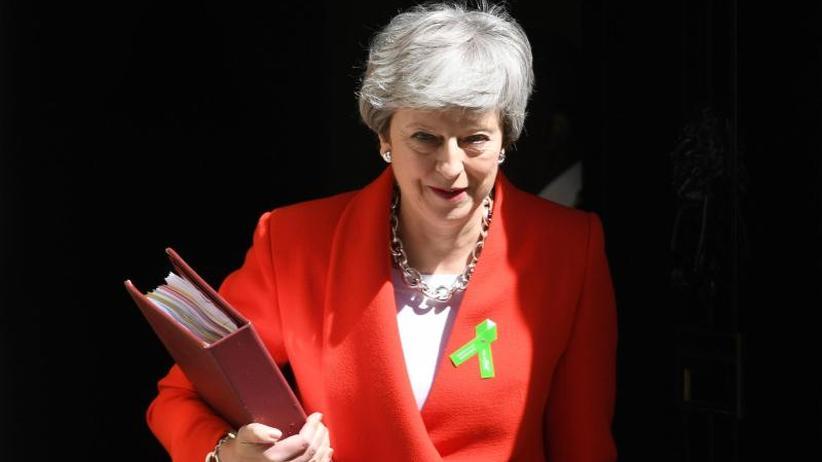 """Ringen um Austrittsabkommen: Theresa May verspricht """"kühnes"""" neues Brexit-Paket"""