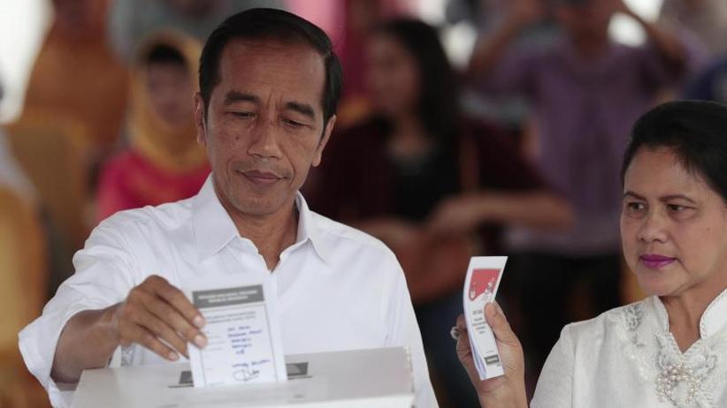 Offizielles Ergebnis: Indonesiens Präsident JokoWidodo gewinnt Wahl