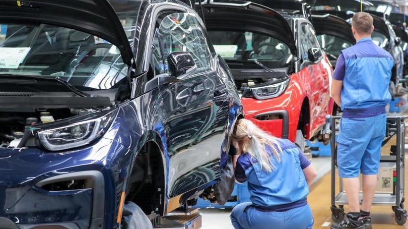 Echtzeit-Informationen: BMW gibt sicherheitsrelevante Verkehrsdaten frei