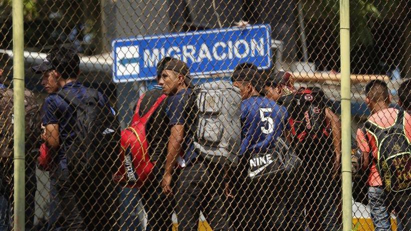 Streit über Grenzsicherung: Trump stößt nach Einigung mit Mexiko erneut Drohungen aus
