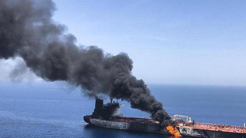 Weitere Schiffe betroffen: Zwischenfälle vor Irans Küste: Norwegischer Tanker brennt