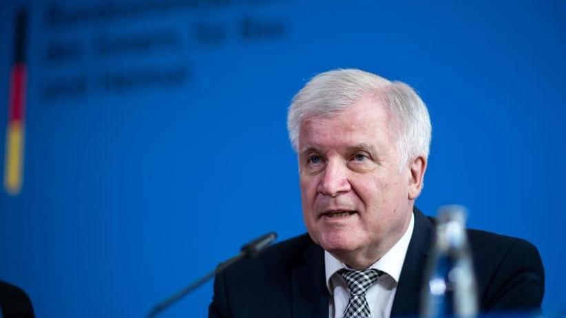 Maas fordert Proteste: Seehofer: Rechtsextremismus echte Gefahr geworden