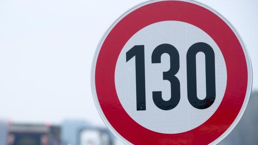 130 km/h auf Autobahnen: Grüne unterstützen Kirchen-Petition zum Tempolimit