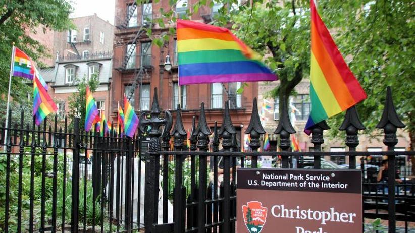 """Die Farben des Regenbogens: New York feiert 50 Jahre """"Stonewall"""""""