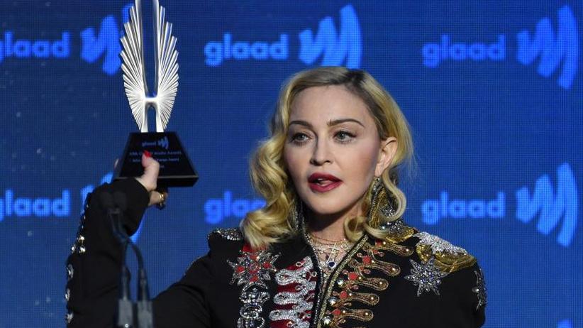Gegen Waffengewalt: Madonna löst mit Video Kontroverse aus