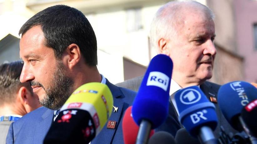 """""""Alan Kurdi"""" dreht ab: Streit zwischen Seehofer und Salvini wegen Seenotrettern"""