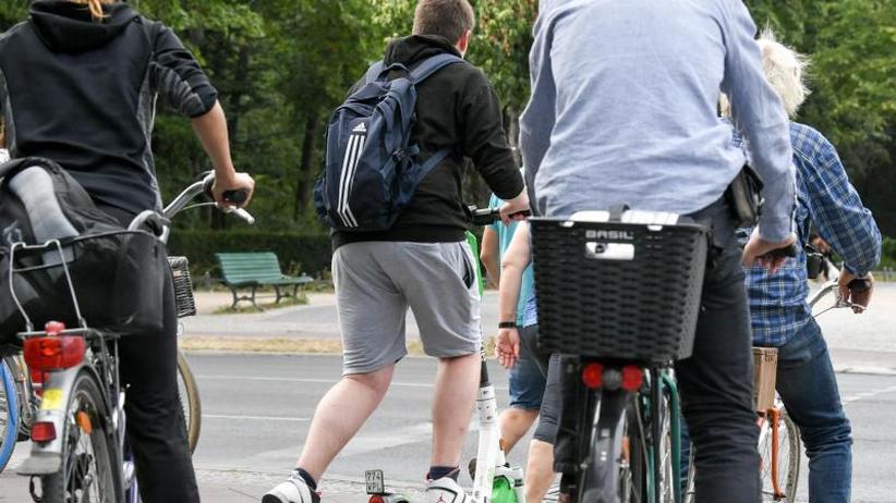 Kritik an E-Tretrollern: Polizeigewerkschaft: Zahl von Verleih-E-Scootern begrenzen