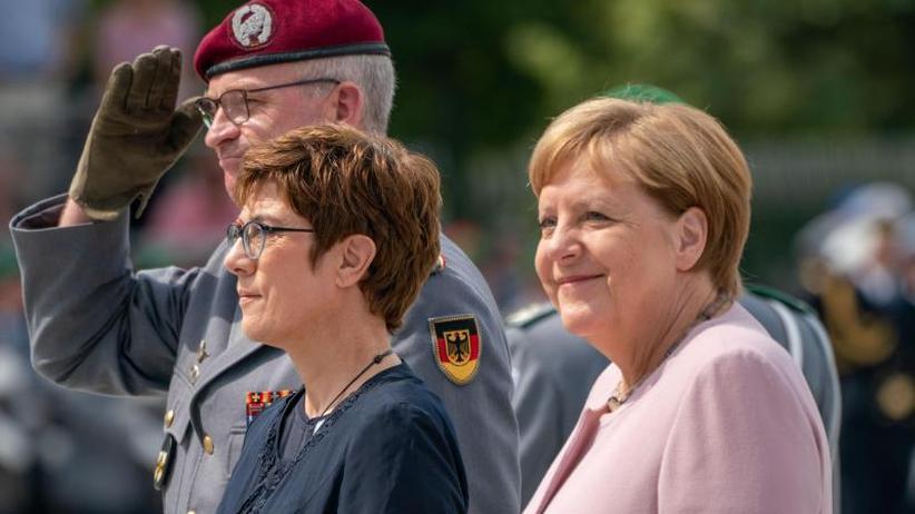 Kramp-Karrenbauer gedenkt Widerstand gegen NS-Regime