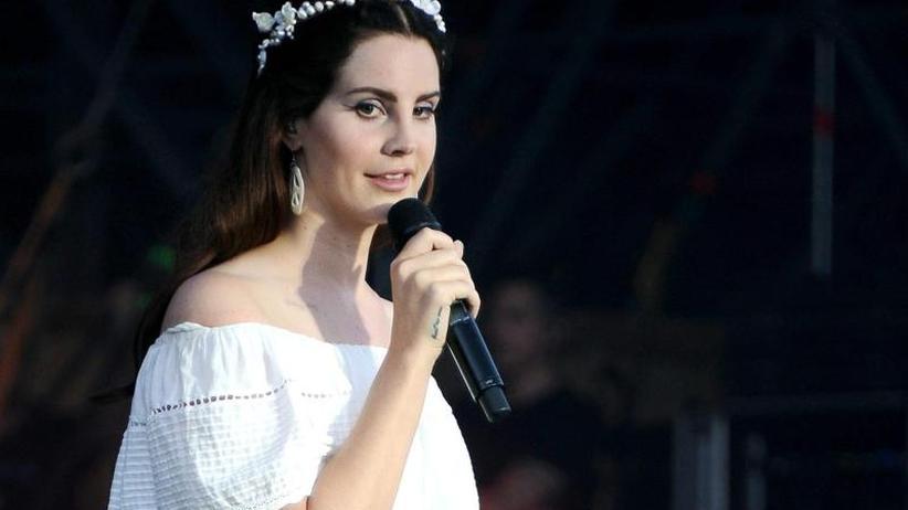Neuer Song: Lana Del Rey protestiert gegen Waffengewalt inUSA