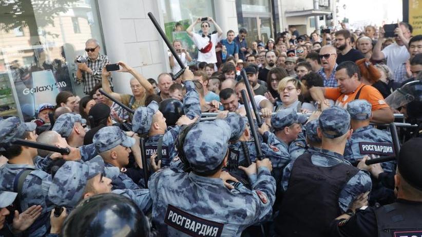 US-Diplomat einbestellt: Russland wirft nach Protesten Ausländern Einmischung vor