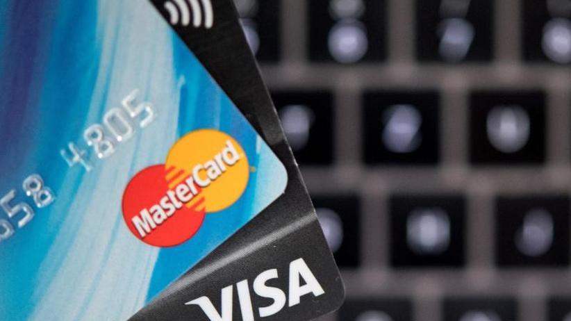 Droht bald Chaos?: Neue Regeln fürs Bezahlen beim Online-Einkauf