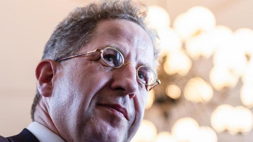 Debatte über Parteiausschluss: SPD kritisiert Kramp-Karrenbauers Vorgehen im Fall Maaßen