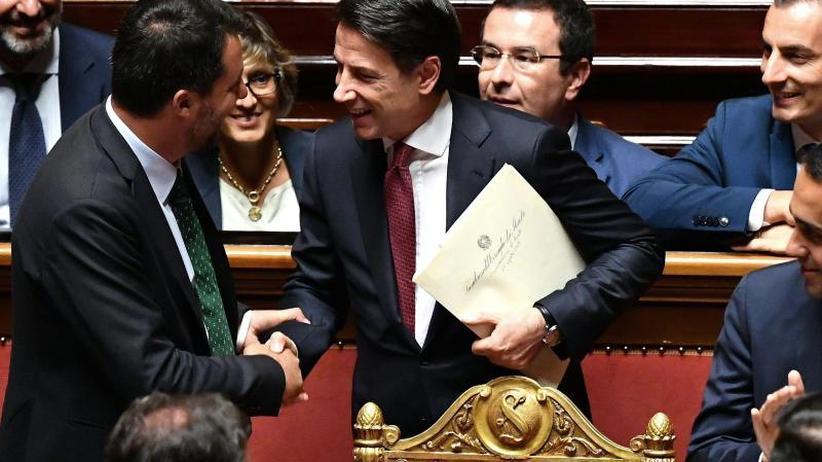Scharfe Abrechnung mit Salvini: Populisten-Allianz am Ende: Italiens Premier Conte tritt ab