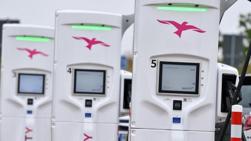 Noch zu wenig Ladestationen: Nach Atom und Kohle: Kommt der Benzin- und Diesel-Ausstieg?