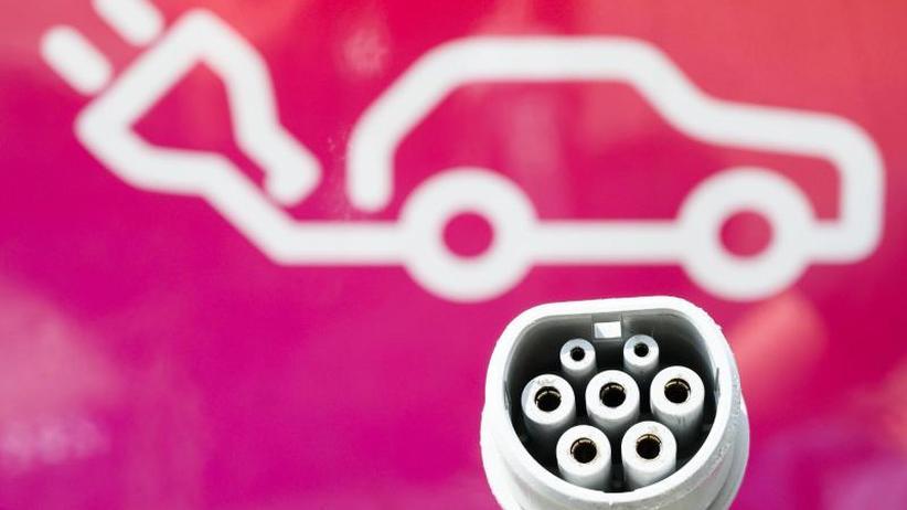Umfrage vor Beginn der IAA: E-Autos und autonomes Fahren haben es in Deutschland schwer