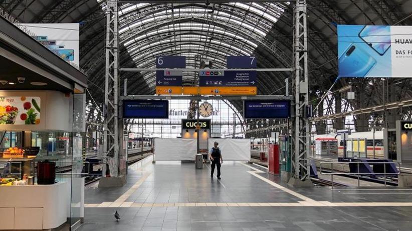 Nach tödlicher Attacke: Maßnahmen für mehr Sicherheit an Bahnhöfen beschlossen