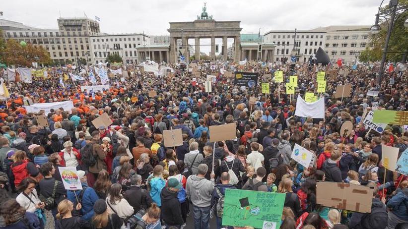 Demos in ganz Deutschland: Veranstalter: 270.000 Menschen beim Klimastreik in Berlin