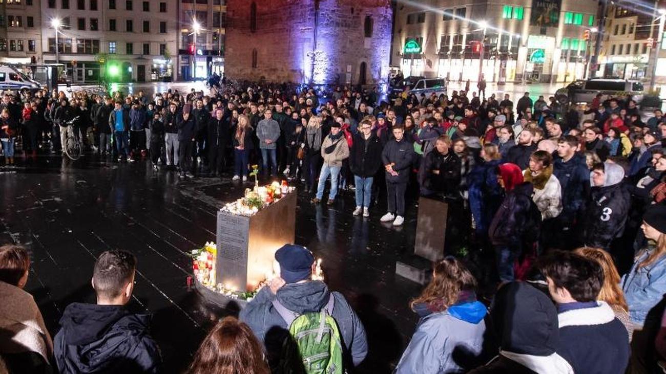 Schüsse auch in Landsberg: Zwei Tote in Halle: Täter griff Synagoge direkt an