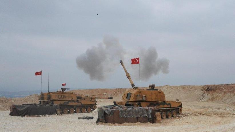 Militäroffensive: Türkei gewinnt in Syrien an Boden - Zehntausende flüchten