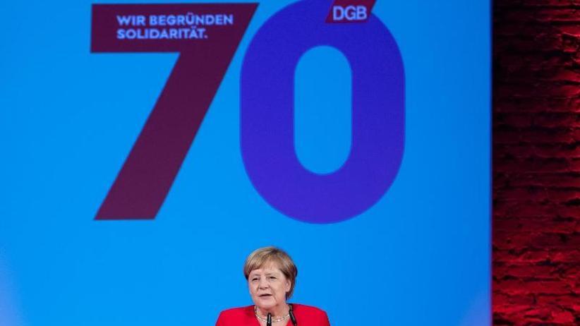 Arbeitnehmerschutz: Merkel für Stärkung von Tarifverträgen - DGB feiert Jubiläum