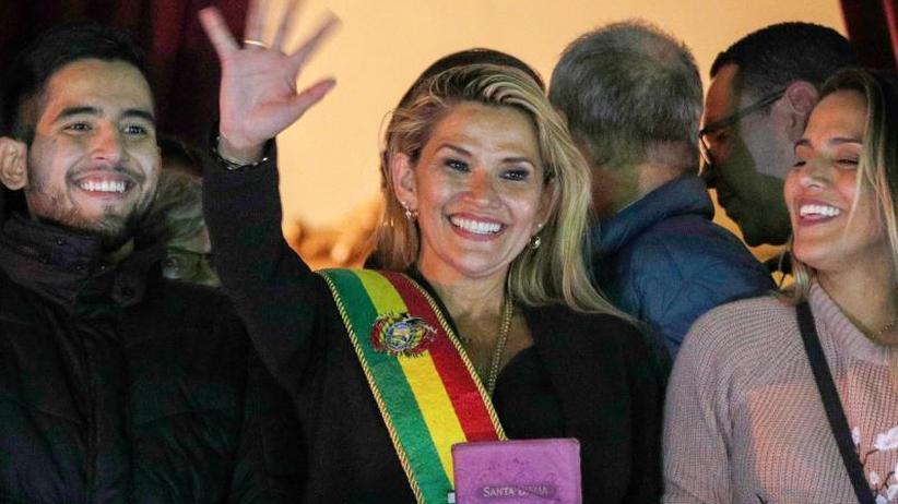 Nach Exil für Evo Morales: Interimspräsidentin Añez will Bolivien befrieden