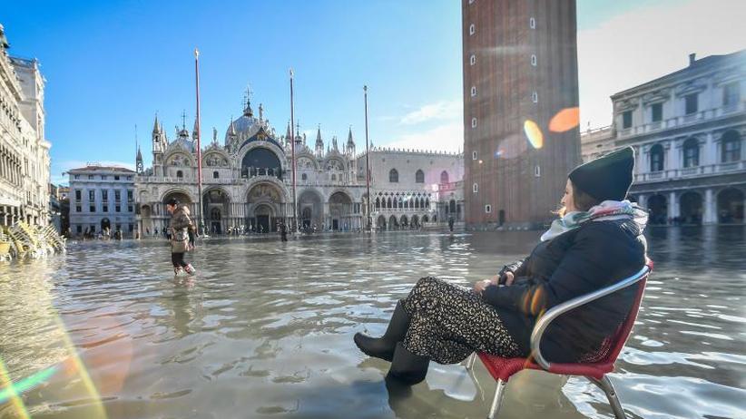 Unesco-Welterbestadt: Venedig kämpft gegen neue Fluten - Schäden am Markusdom