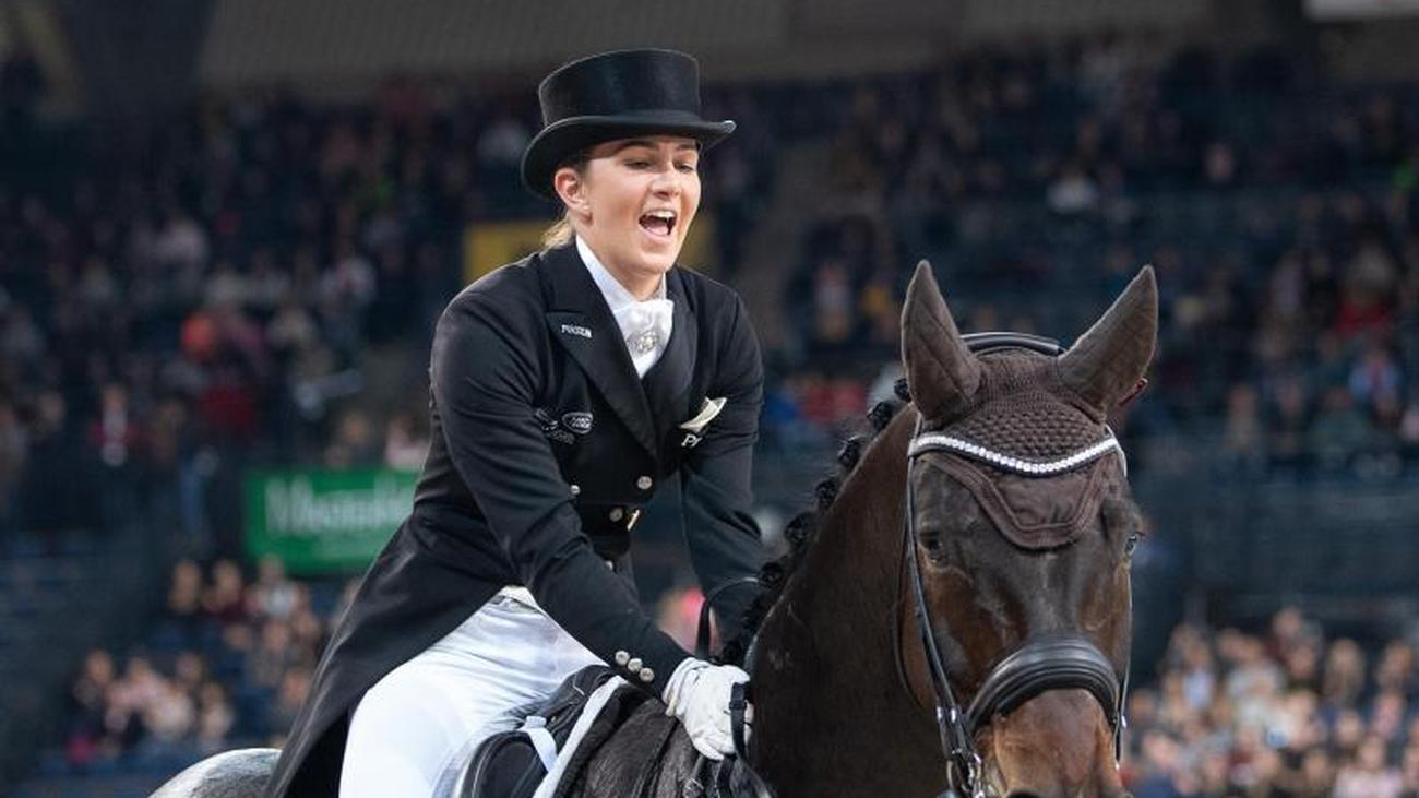 Weltcup-Turnier: Dressur: Lisa Müller überrascht in Stuttgart mit Platz eins