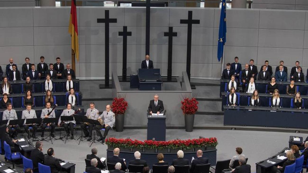 Rede zum Volkstrauertag: Schuster warnt vor Gleichgültigkeit gegenüber Extremismus