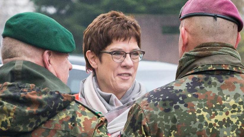 Verteidigungsministerin: Kramp-Karrenbauer: Bundeswehr bereit zu neuen Einsätzen