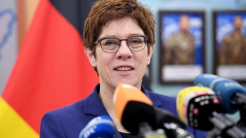 Reise in denBalkan: Kramp-Karrenbauer warnt vor Russlands und Chinas Einfluss
