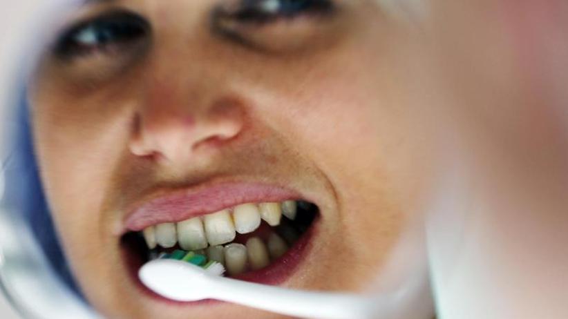 Wichtige Routine: Zähneputzen könnte auch der Herzgesundheit nützen