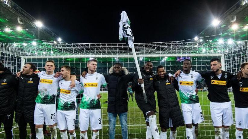 14. Spieltag der Bundesliga: Bayern von Gladbach distanziert - BVB und Leipzig auf Kurs