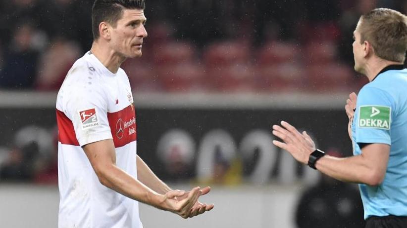 """Erster Treffer seit Juli: VfB-Stürmer """"VARio Gomez"""" erlöst sich und schweigt"""