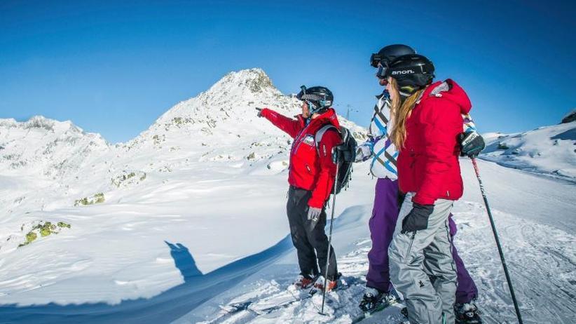 Am Steuer der Pistenraupe: Hinter den Kulissen der Skigebiete
