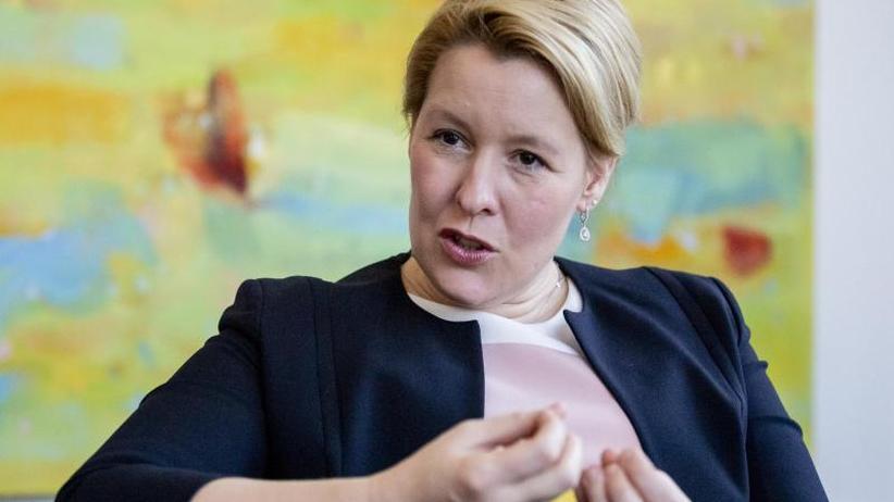 Neues Jugendmedienschutzgesetz: Giffey scheut Konflikt mit WhatsApp und Co. nicht