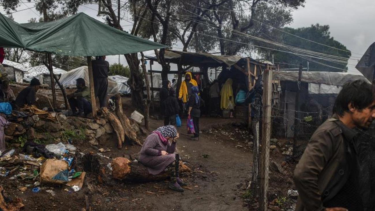 Lager sind völlig überfüllt: Flüchtlinge im Mittelmeer: Griechenland wieder im Fokus