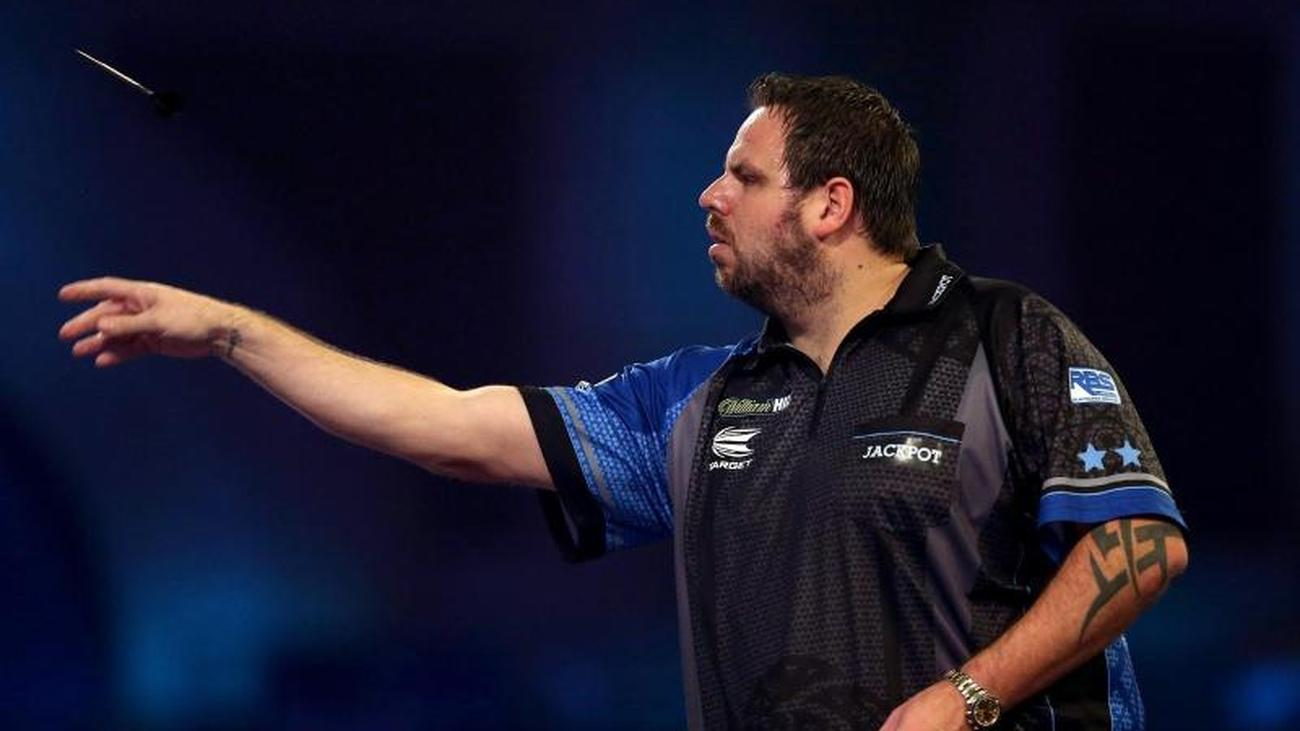 Round Of 16: Ex-world Champion Lewis Out At Darts World