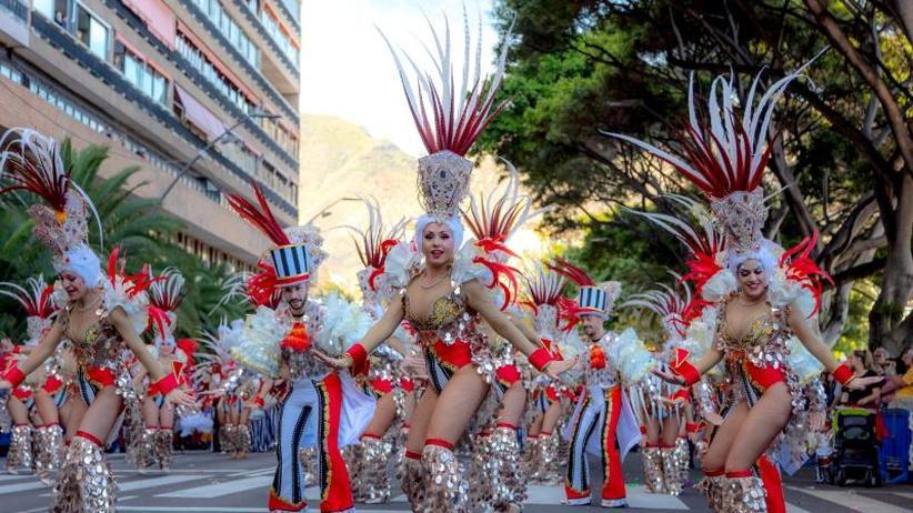 Tipps für Urlauber: Reise-News: Karneval auf Teneriffa und Legoland-Wirbelfahrt