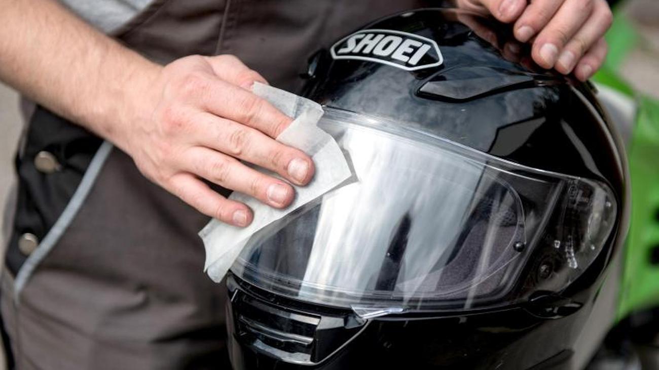 Motorradpause: Winterzeit für die Helmpflege nutzen