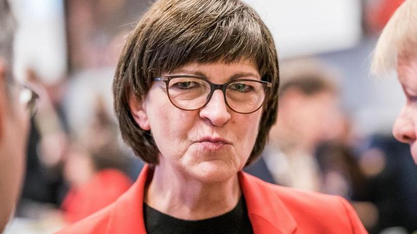 "Esken unter Beschuss: ""Demokratischer Sozialismus"": SPD-Chefin weist Kritik zurück"