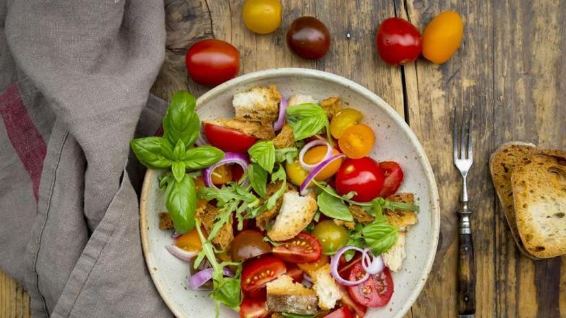 Altbackenes: So wird aus Brotresten Suppe, Salat und Kuchen