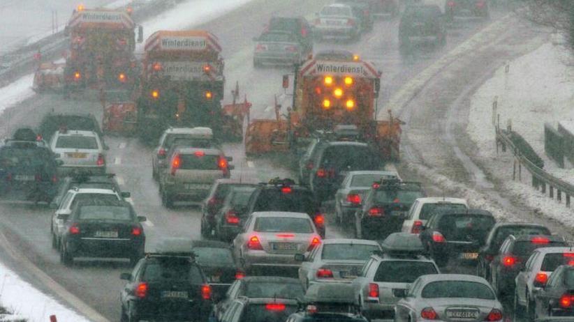 Stauprognose: Baustellen und Winterurlauber füllen die Autobahnen