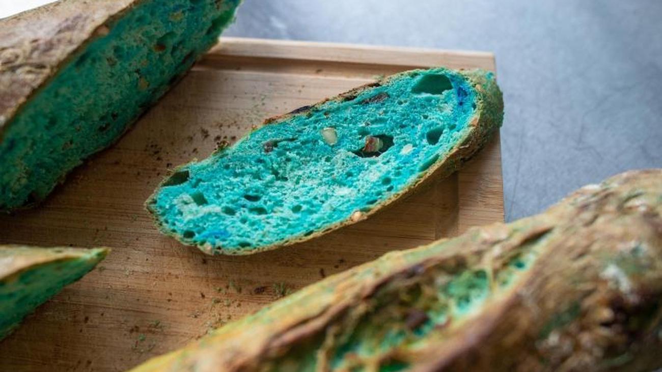In Zukunft isst man blau: Brot und Bier aus Mikroalgen