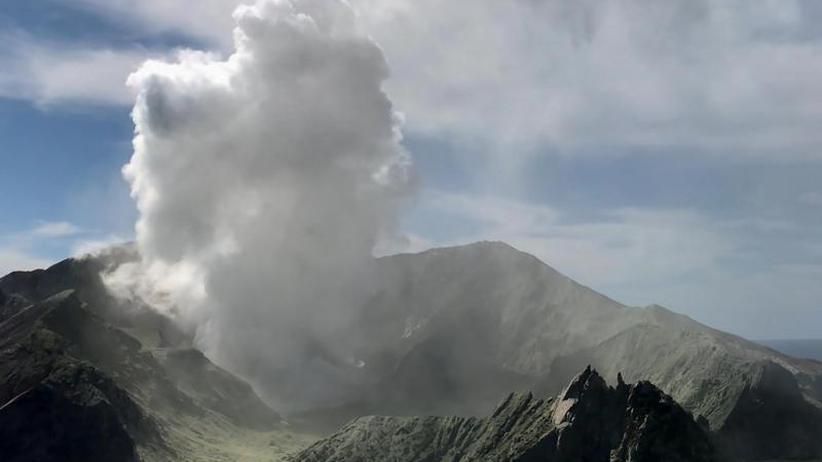 Nach Ausbruch: Neuseeländischer Vulkan wieder aktiv